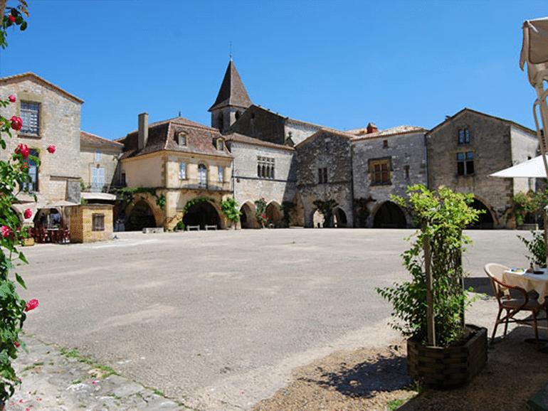 Village Dordogne 2.jpg